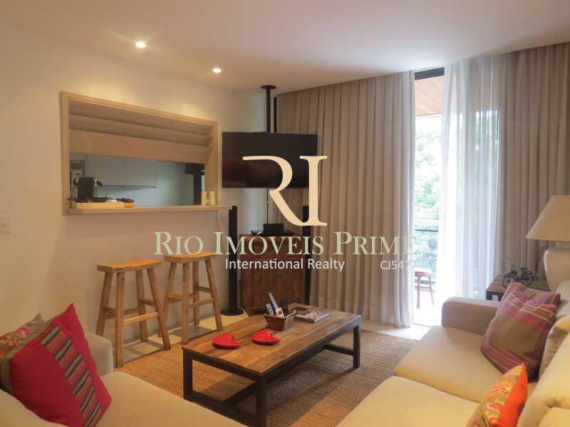4 SALA - Flat 2 quartos para venda e aluguel Ipanema, Rio de Janeiro - R$ 1.999.990 - RPFL20010 - 5