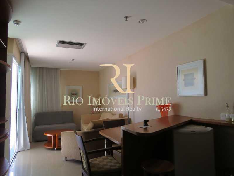 SALA - Flat 1 quarto à venda Barra da Tijuca, Rio de Janeiro - R$ 749.900 - RPFL10092 - 5