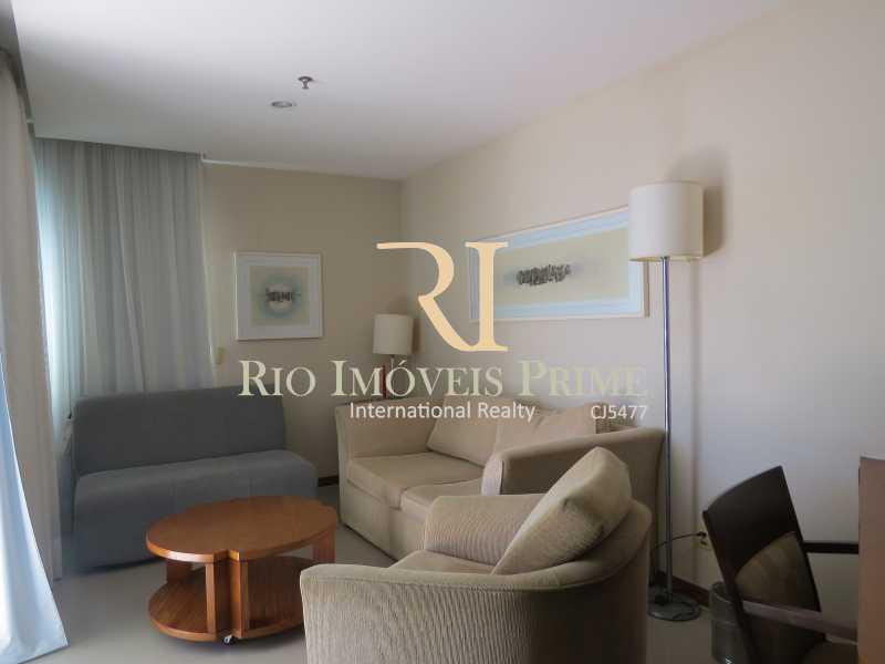 SALA - Flat 1 quarto à venda Barra da Tijuca, Rio de Janeiro - R$ 749.900 - RPFL10092 - 6