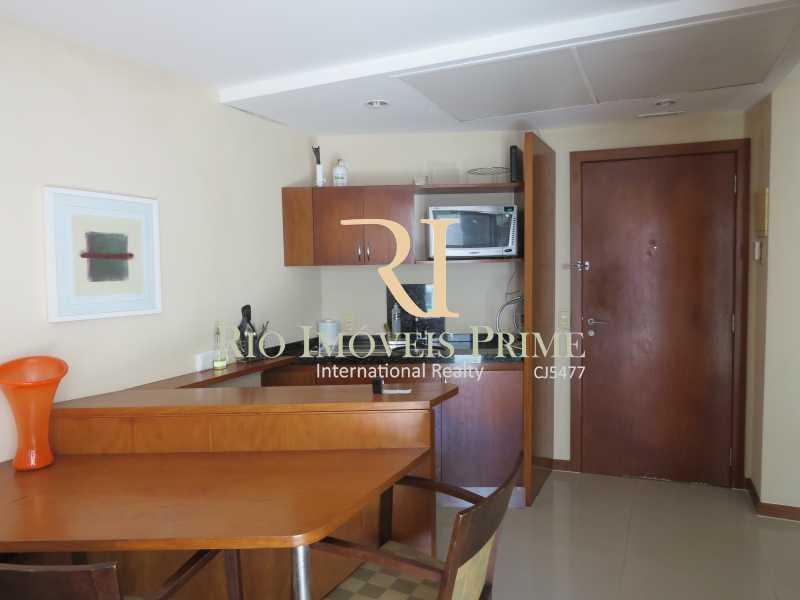 COZINHA AMERICANA - Flat 1 quarto à venda Barra da Tijuca, Rio de Janeiro - R$ 749.900 - RPFL10092 - 8