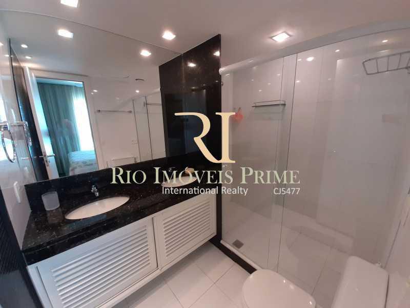 BANHEIRO SUÍTE1 - Flat 2 quartos à venda Barra da Tijuca, Rio de Janeiro - R$ 1.999.900 - RPFL20033 - 11