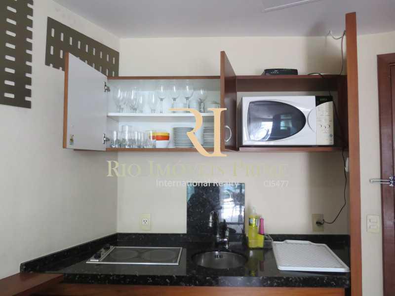 COZINHA - Flat Condomínio Wyndham Rio Barra, Avenida Lúcio Costa,Barra da Tijuca, Rio de Janeiro, RJ À Venda, 1 Quarto, 52m² - RPFL10009 - 11
