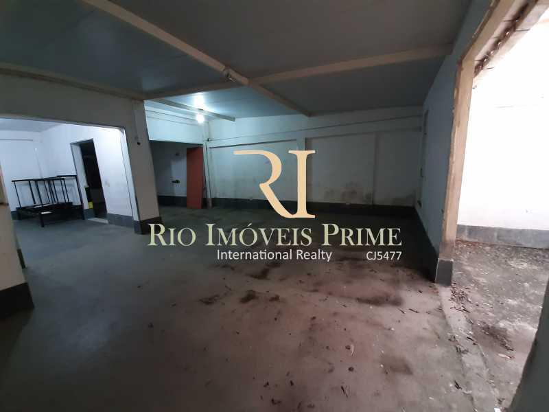 GARAGEM PAV1 - Prédio 341m² para venda e aluguel Rua Conselheiro Olegário,Maracanã, Rio de Janeiro - R$ 950.000 - RPPR40001 - 24