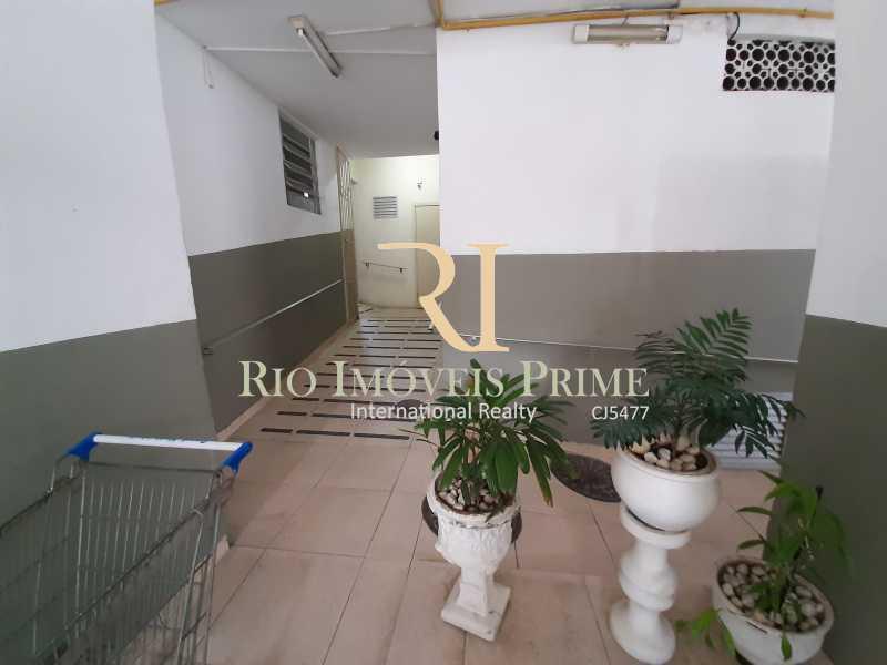 ACESSO PARA DEFICIENTES - Apartamento à venda Rua Ribeiro Guimarães,Tijuca, Rio de Janeiro - R$ 459.900 - RPAP20207 - 24