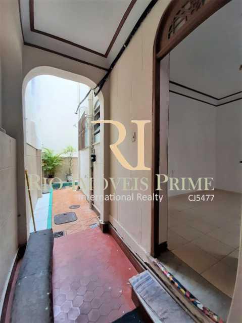 ACESSO INTERNO AO KITNET. - Kitnet/Conjugado 20m² para alugar Rua Caruso,Tijuca, Rio de Janeiro - R$ 999 - RPKI10006 - 10