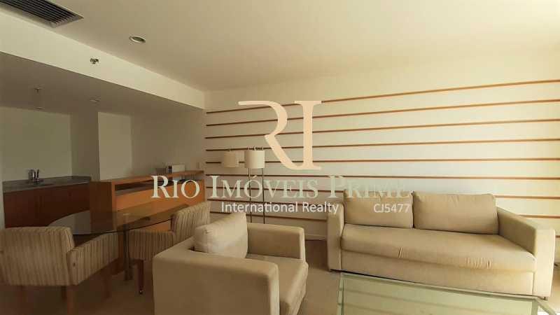 SALA - Flat 1 quarto à venda Glória, Macaé - R$ 150.000 - RPFL10107 - 4