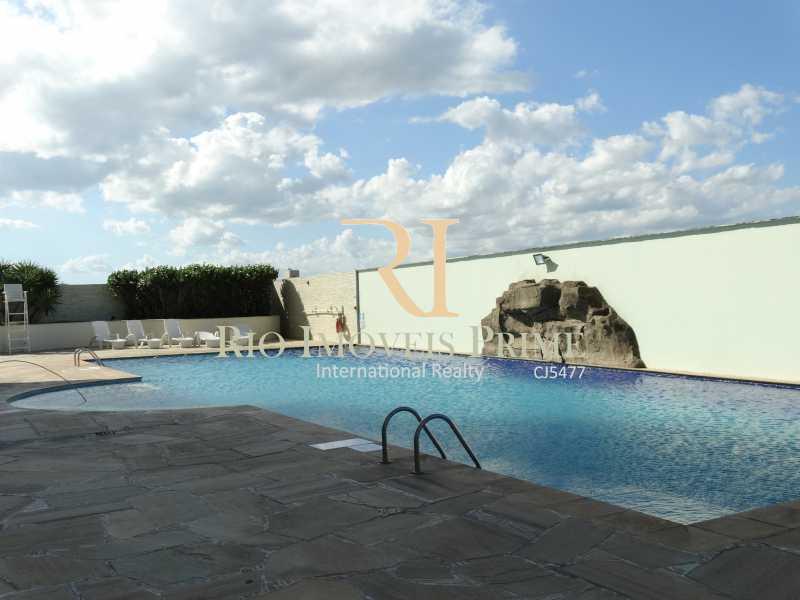 PISCINA - Flat 1 quarto à venda Glória, Macaé - R$ 150.000 - RPFL10107 - 16