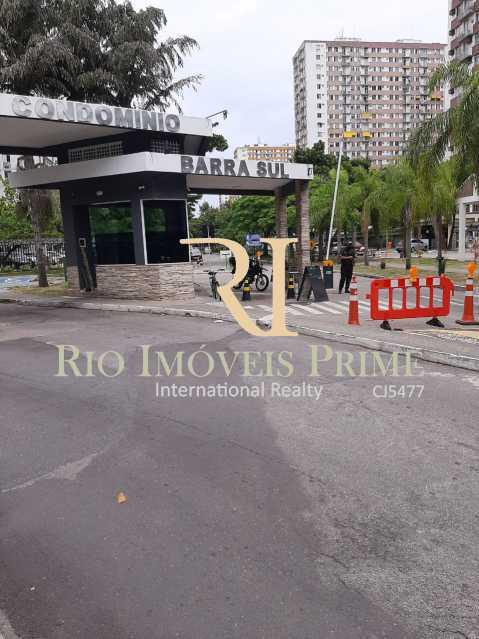 ENTRADA CONDOMÍNIO. - Apartamento 2 quartos à venda Barra da Tijuca, Rio de Janeiro - R$ 410.000 - RPAP20235 - 24