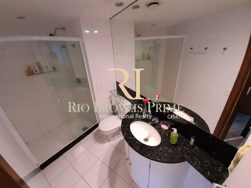 BANHEIRO SUÍTE - Flat 1 quarto à venda Barra da Tijuca, Rio de Janeiro - R$ 749.900 - RPFL10108 - 11