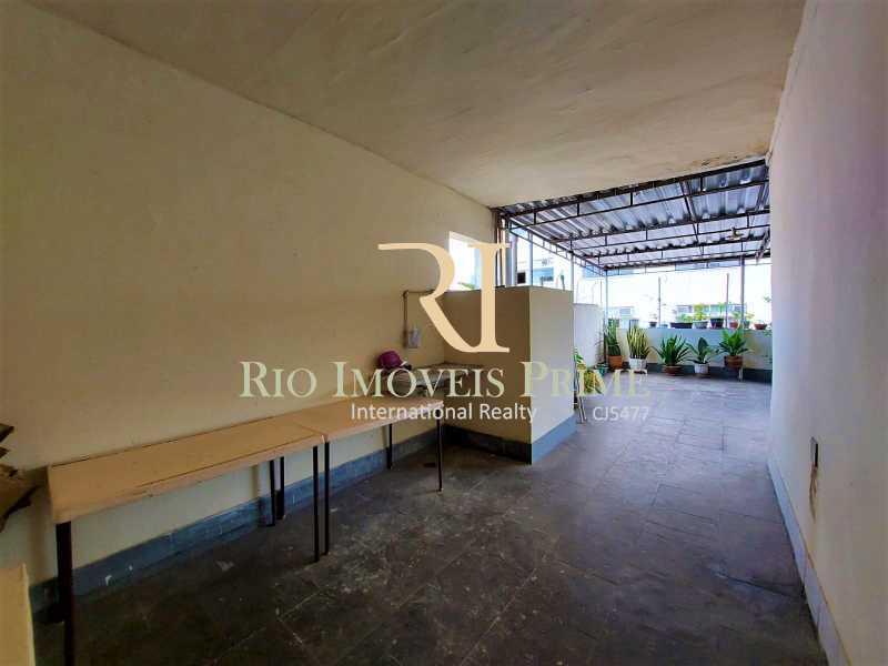 TERRAÇO CONDOMÍNIO. - Apartamento à venda Rua Visconde de Figueiredo,Tijuca, Rio de Janeiro - R$ 360.000 - RPAP10062 - 22