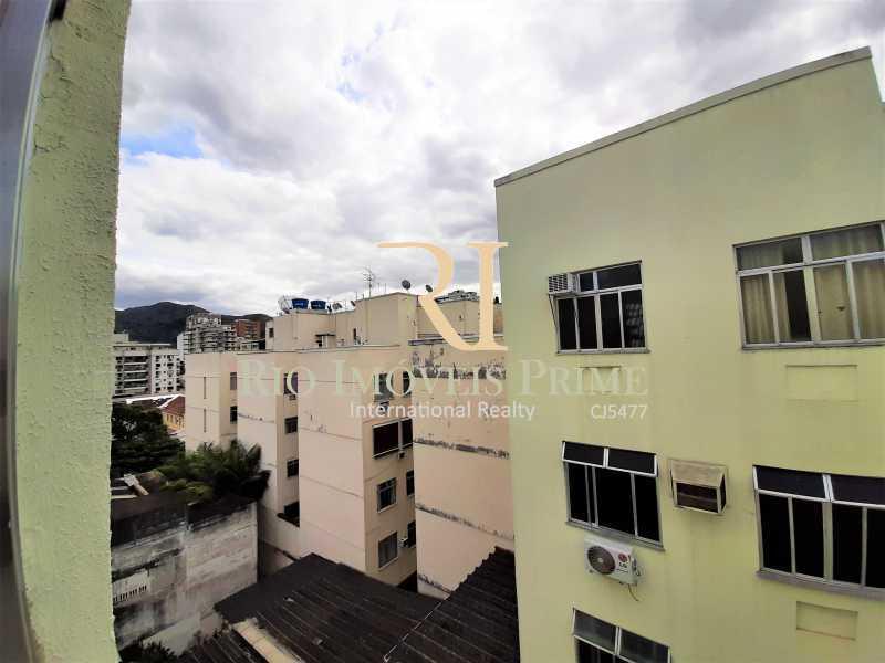 VISTA QUARTO2 - Apartamento à venda Rua Nossa Senhora de Lourdes,Grajaú, Rio de Janeiro - R$ 300.000 - RPAP20250 - 11