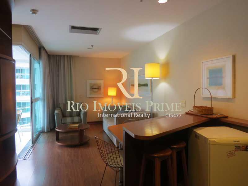 SALA - Flat 1 quarto à venda Barra da Tijuca, Rio de Janeiro - R$ 749.900 - RPFL10110 - 4