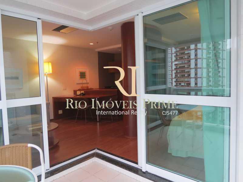 VARANDA - Flat 1 quarto à venda Barra da Tijuca, Rio de Janeiro - R$ 749.900 - RPFL10110 - 11
