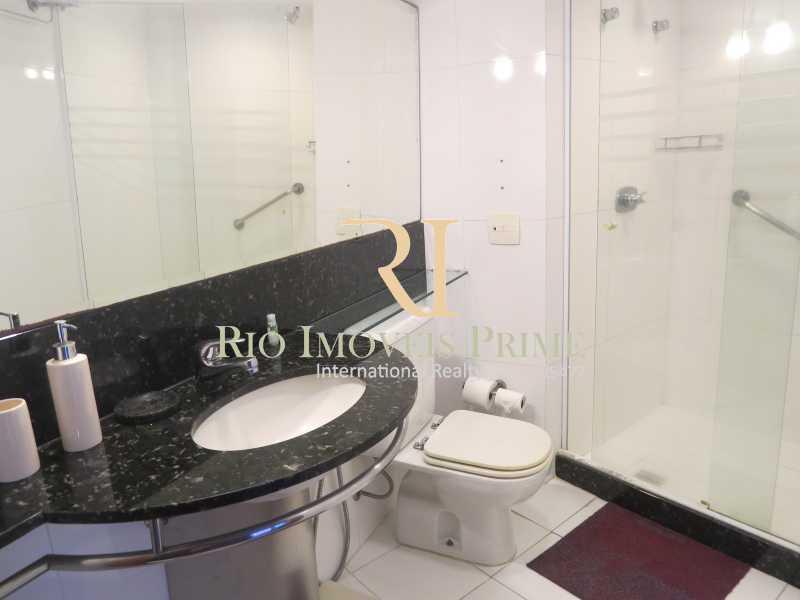 BANHEIRO - Flat 1 quarto à venda Barra da Tijuca, Rio de Janeiro - R$ 749.900 - RPFL10110 - 15