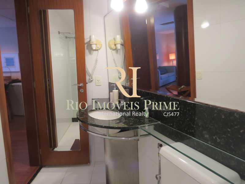 BANHEIRO - Flat 1 quarto à venda Barra da Tijuca, Rio de Janeiro - R$ 749.900 - RPFL10110 - 16
