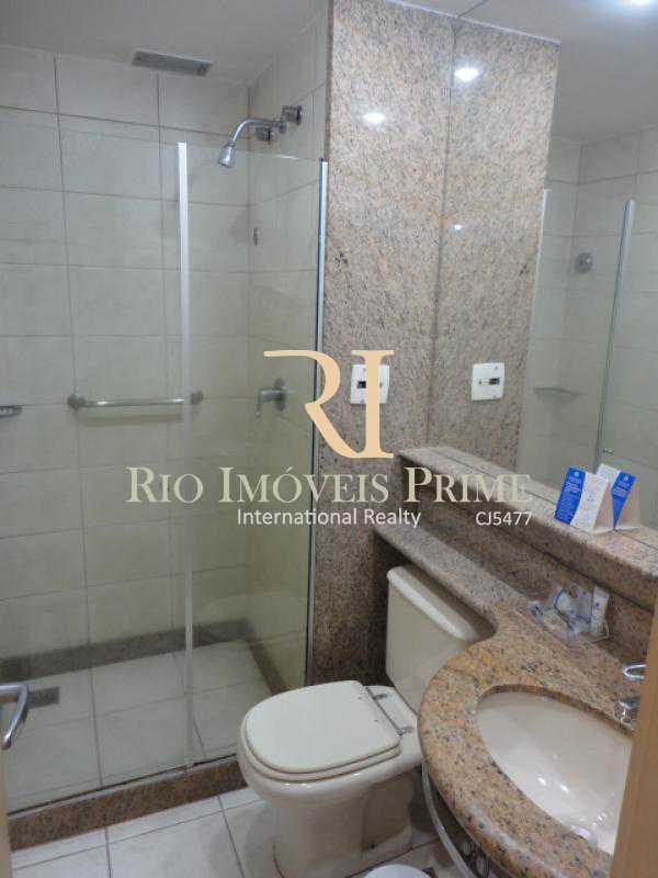 BANHEIRO SUÍTE1 - Flat À Venda - Barra da Tijuca - Rio de Janeiro - RJ - RPFL20011 - 9
