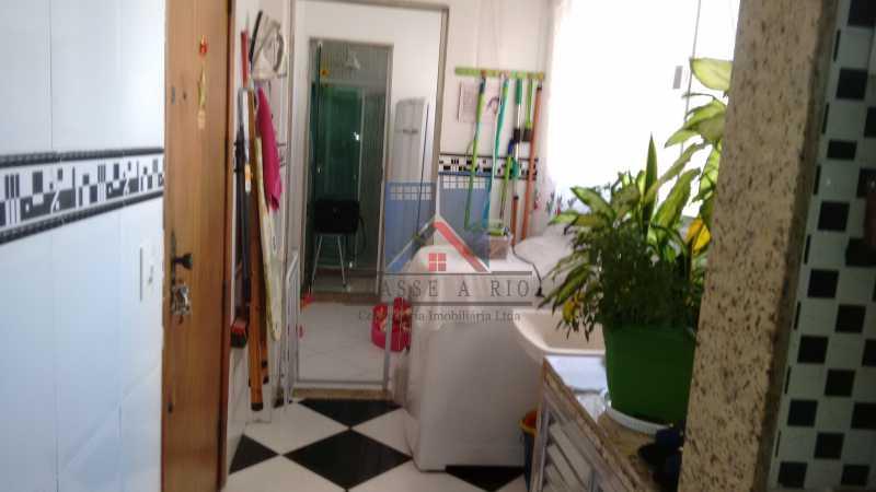 15 - VENDA-Irajá-Av.Mons. Félix,Apartamento,2 quartos+dep, Armários planejados,,2 elevadores,1 vaga de garagem coberta - FRAP20035 - 24