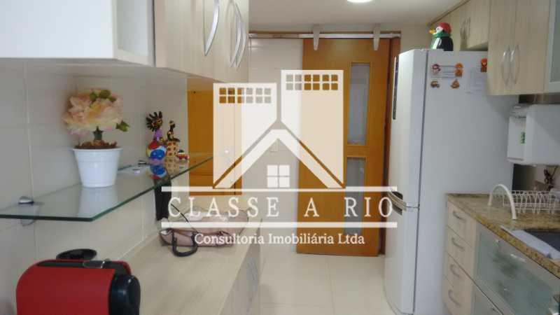 2 - Luxo - Freguesia- Apartamento,101 metros,3 quartos,Dep. Emp.,2 vagas garagem - FRAP30030 - 23
