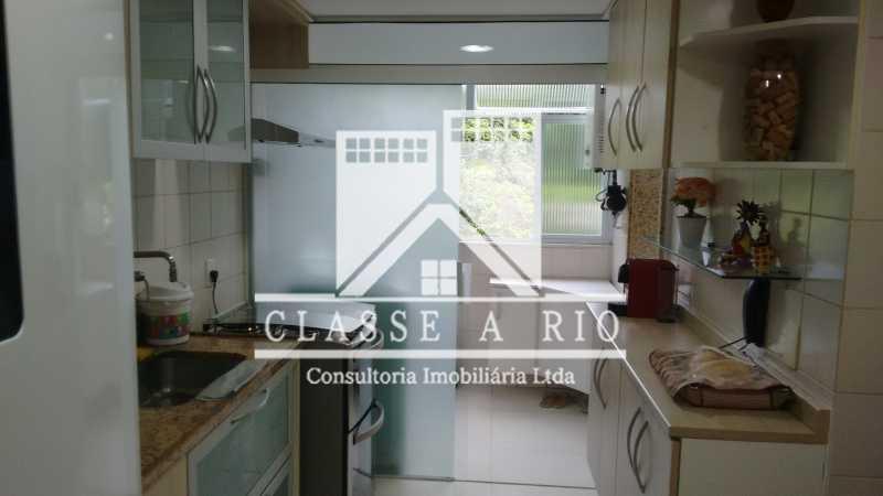 4 - Luxo - Freguesia- Apartamento,101 metros,3 quartos,Dep. Emp.,2 vagas garagem - FRAP30030 - 26