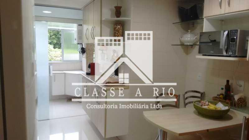 25 - Luxo - Freguesia- Apartamento,101 metros,3 quartos,Dep. Emp.,2 vagas garagem - FRAP30030 - 29