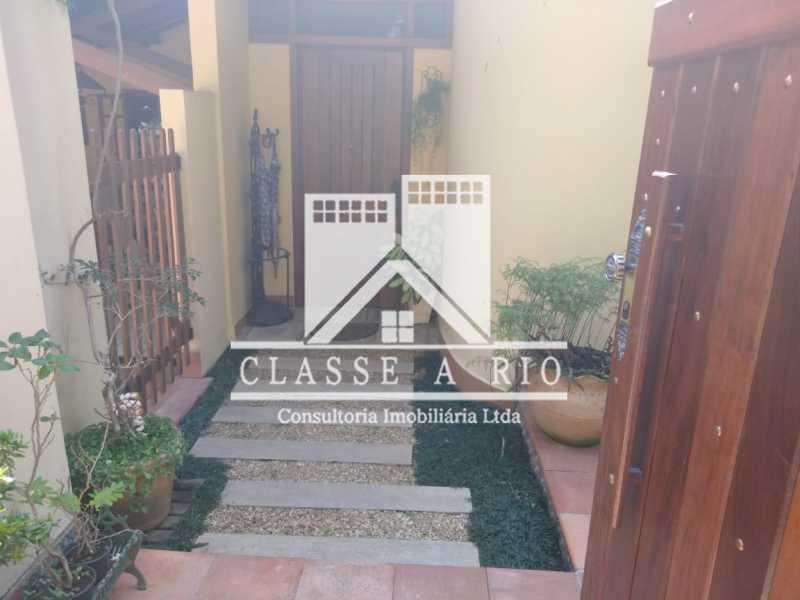 IMG-20190425-WA0043 - Casa condominio,04 quartos,02 suites,Lazer,02 vagas de garagem - FRCN40034 - 24