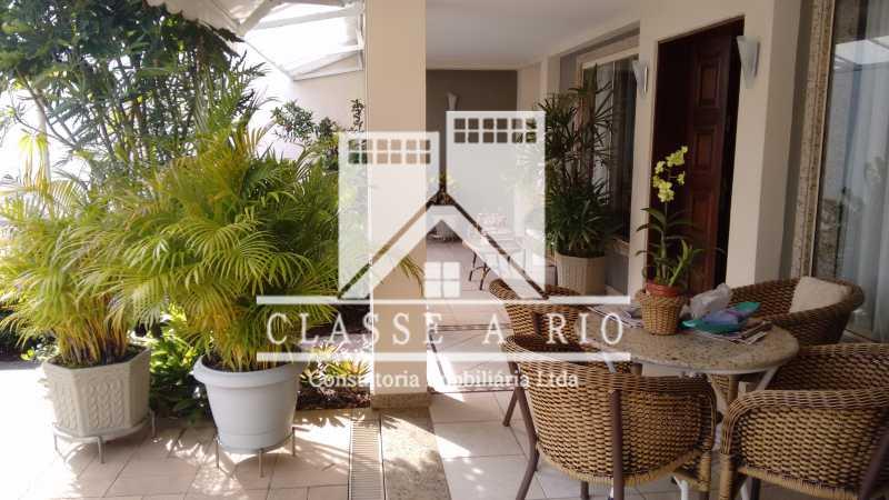 1 - Freguesia-Casa Linear condominio 3 quartos, 2 suites,2 vagas de garagem - FRCN30030 - 1