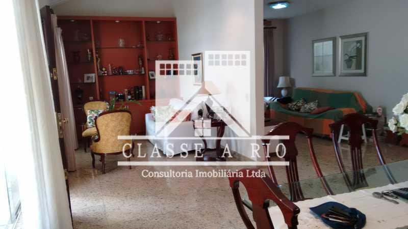 8 - Freguesia-Casa Linear condominio 3 quartos, 2 suites,2 vagas de garagem - FRCN30030 - 9
