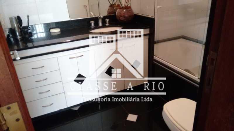 25 - Freguesia-Casa Linear condominio 3 quartos, 2 suites,2 vagas de garagem - FRCN30030 - 27