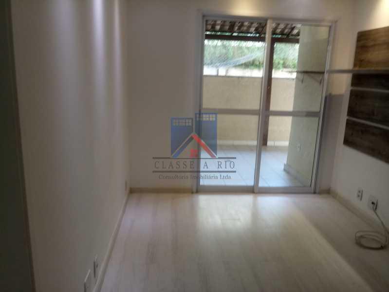 04 - Taquara-Apartamento,2 quartos,suite,armários,lazer,1 vaga de garagem - FRAP20074 - 6