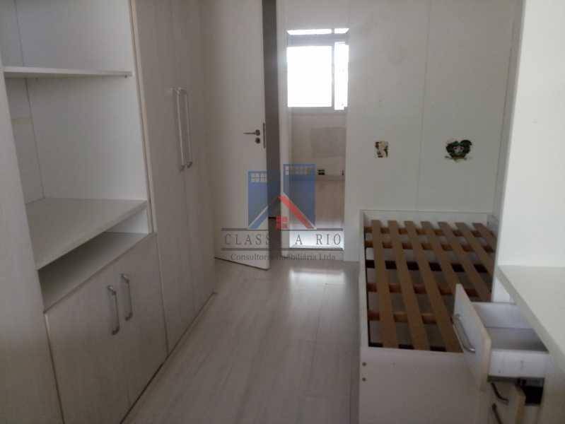 16 - Taquara-Apartamento,2 quartos,suite,armários,lazer,1 vaga de garagem - FRAP20074 - 16