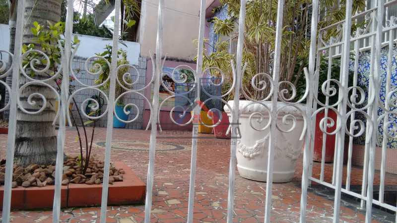3 - Vila da Penha-Casas linear, 2 quartos, 5 vagas de garagem, amplo quintal, ótima localização - FRCA20005 - 7