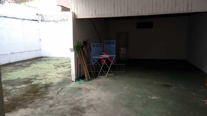 6 - Vila da Penha-Casas linear, 2 quartos, 5 vagas de garagem, amplo quintal, ótima localização - FRCA20005 - 29