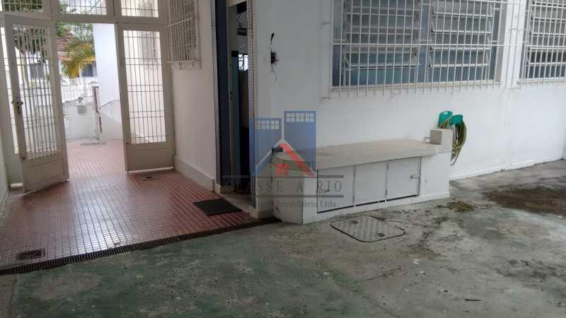 11 - Vila da Penha-Casas linear, 2 quartos, 5 vagas de garagem, amplo quintal, ótima localização - FRCA20005 - 27