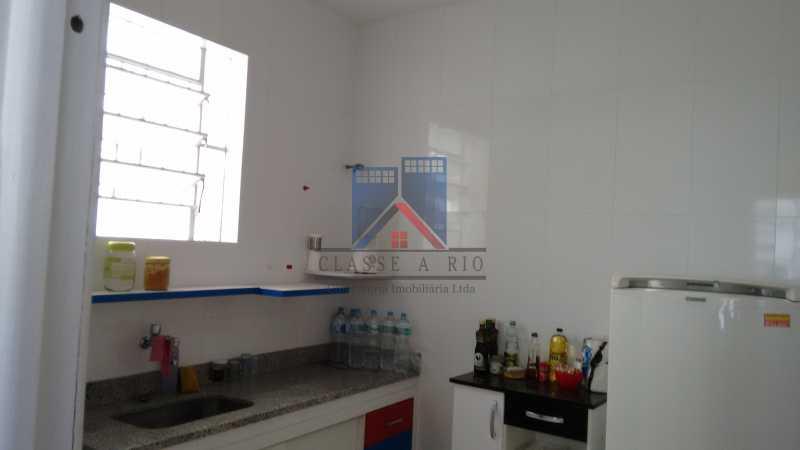14 - Vila da Penha-Casas linear, 2 quartos, 5 vagas de garagem, amplo quintal, ótima localização - FRCA20005 - 21