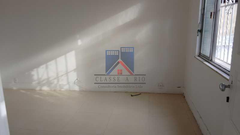 23 - Vila da Penha-Casas linear, 2 quartos, 5 vagas de garagem, amplo quintal, ótima localização - FRCA20005 - 12