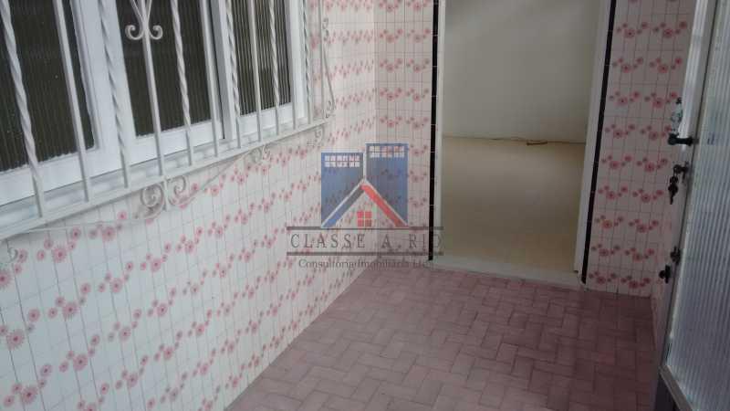 24 - Vila da Penha-Casas linear, 2 quartos, 5 vagas de garagem, amplo quintal, ótima localização - FRCA20005 - 10