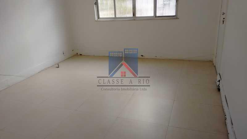25 - Vila da Penha-Casas linear, 2 quartos, 5 vagas de garagem, amplo quintal, ótima localização - FRCA20005 - 11