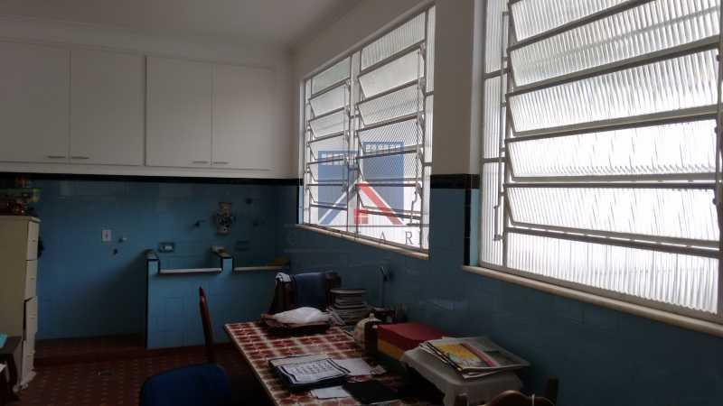 28 - Vila da Penha-Casas linear, 2 quartos, 5 vagas de garagem, amplo quintal, ótima localização - FRCA20005 - 25