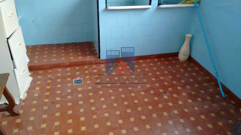 29 - Vila da Penha-Casas linear, 2 quartos, 5 vagas de garagem, amplo quintal, ótima localização - FRCA20005 - 22