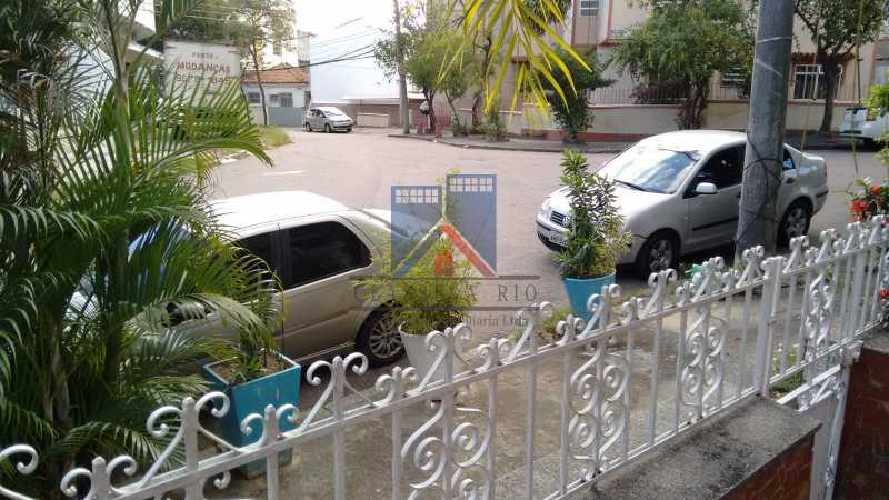 30 - Vila da Penha-Casas linear, 2 quartos, 5 vagas de garagem, amplo quintal, ótima localização - FRCA20005 - 3