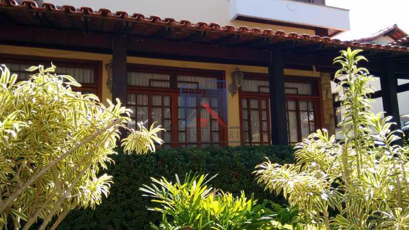 01 - Freguesia-Casa Área Nobre, Cond, fechado, 06 vagas garagem, 03 salas, 03 quartos suites, 02 closets, lazer - FRCN30035 - 3