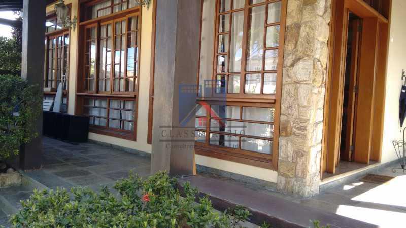 02 - Freguesia-Casa Área Nobre, Cond, fechado, 06 vagas garagem, 03 salas, 03 quartos suites, 02 closets, lazer - FRCN30035 - 1