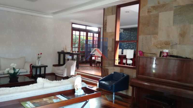 14 - Freguesia-Casa Área Nobre, Cond, fechado, 06 vagas garagem, 03 salas, 03 quartos suites, 02 closets, lazer - FRCN30035 - 9