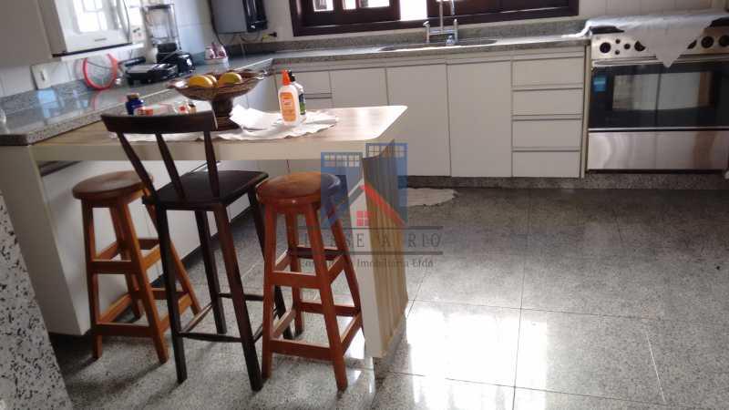 19 - Freguesia-Casa Área Nobre, Cond, fechado, 06 vagas garagem, 03 salas, 03 quartos suites, 02 closets, lazer - FRCN30035 - 16