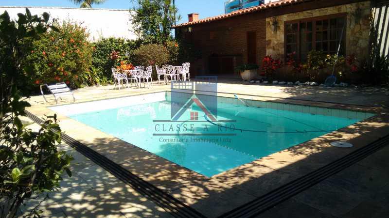 20 - Freguesia-Casa Área Nobre, Cond, fechado, 06 vagas garagem, 03 salas, 03 quartos suites, 02 closets, lazer - FRCN30035 - 31