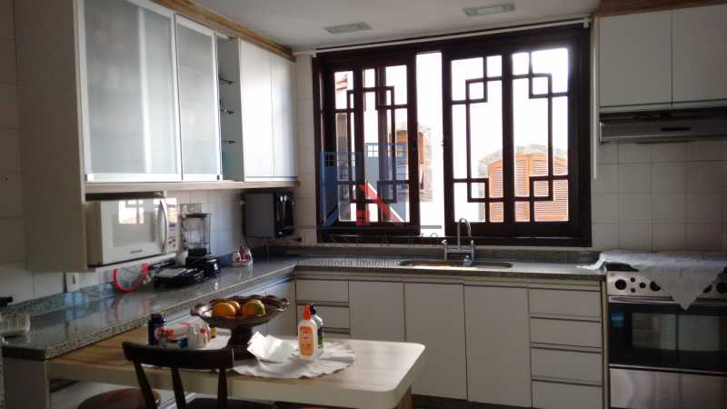 21 - Freguesia-Casa Área Nobre, Cond, fechado, 06 vagas garagem, 03 salas, 03 quartos suites, 02 closets, lazer - FRCN30035 - 17
