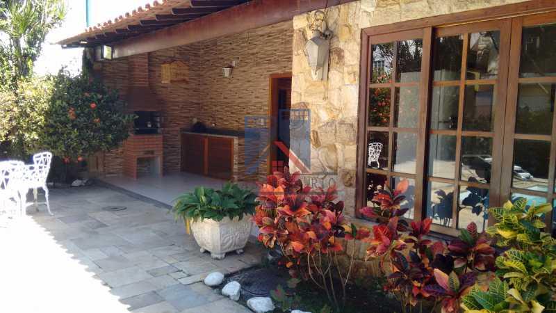 25 - Freguesia-Casa Área Nobre, Cond, fechado, 06 vagas garagem, 03 salas, 03 quartos suites, 02 closets, lazer - FRCN30035 - 30