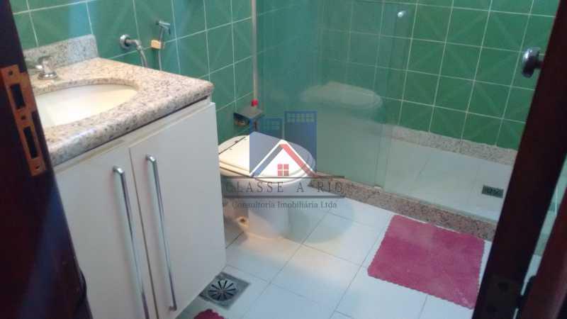28 - Freguesia-Casa Área Nobre, Cond, fechado, 06 vagas garagem, 03 salas, 03 quartos suites, 02 closets, lazer - FRCN30035 - 15