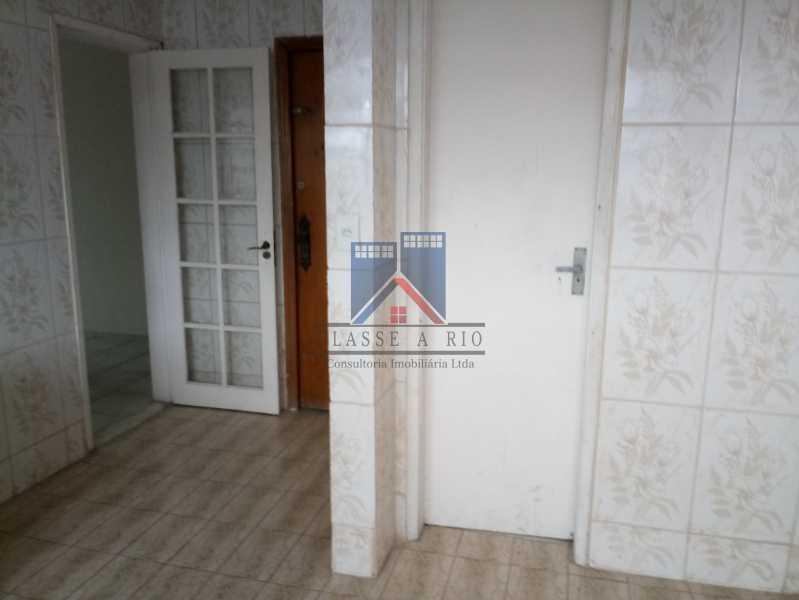 20190823_091100 - Praça Seca - apartamento amplo - vazio - 2 quartos - 2 varandas - prédio pastilhado - aceitando financiamento bancário. - FRAP20084 - 6