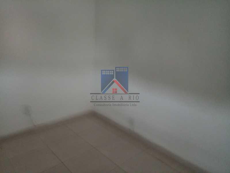 20190823_091143 - Praça Seca - apartamento amplo - vazio - 2 quartos - 2 varandas - prédio pastilhado - aceitando financiamento bancário. - FRAP20084 - 14